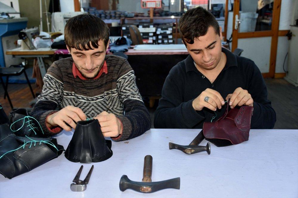 Trabzon'da engellleri böyle aşıyorlar