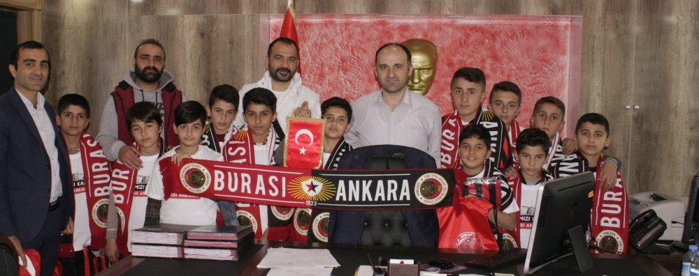 Trabzonlu kaymakamdan sınır ilçesinde spor devrimi!
