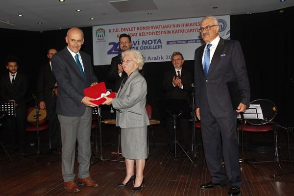Mavi Nota Müzik Ödülleri Akçaabat'ta verildi