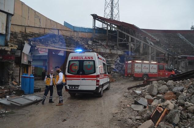 Avni Aker'de yangın çıktı