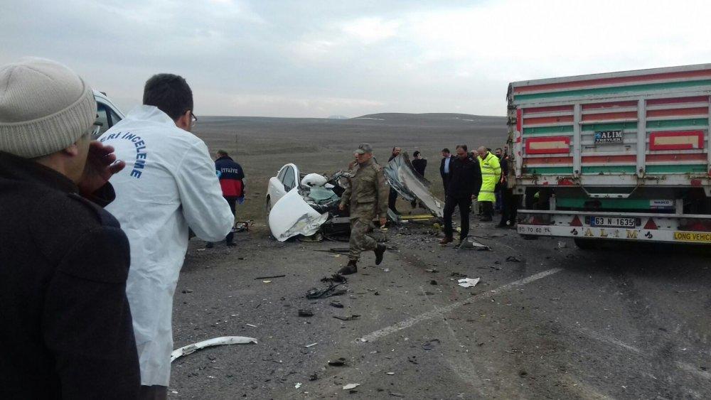Kaza: 1'i bebek 4 ölü, 1 yaralı