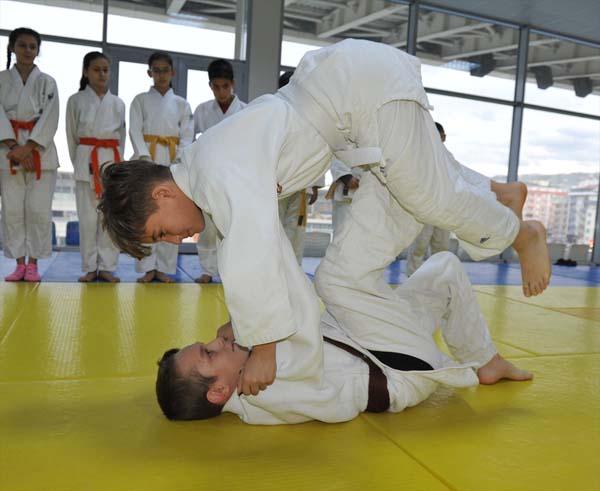 Trabzon'da judo kurslarına ilgi