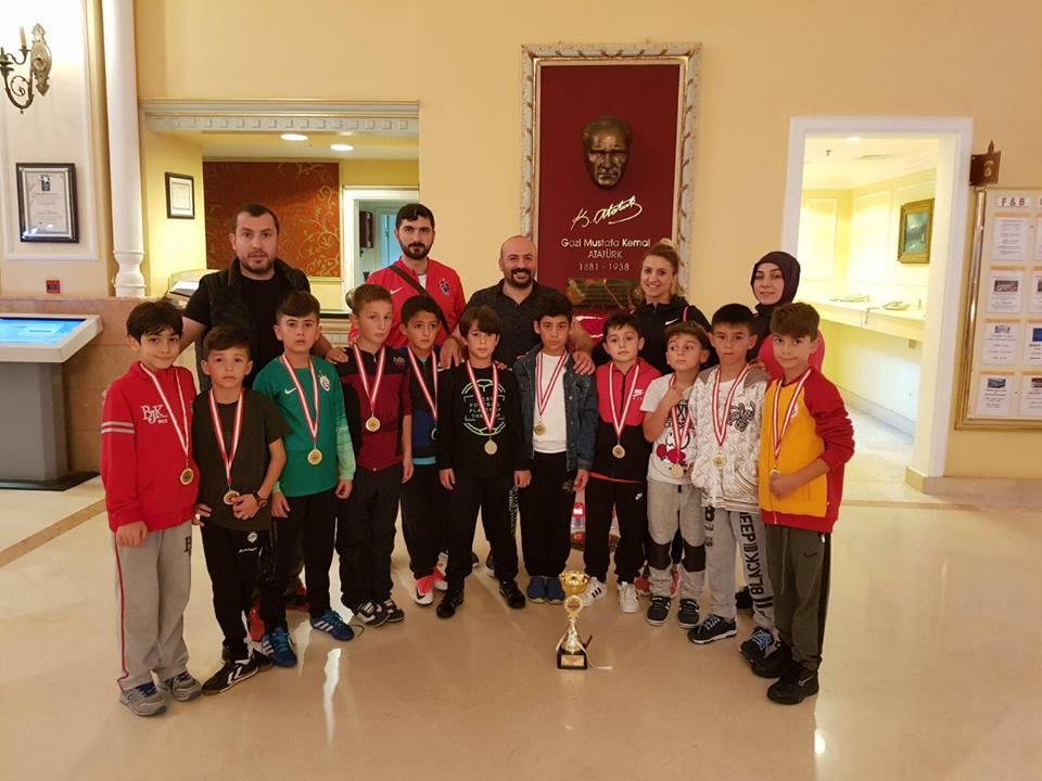 Trabzonlu minik sporcular gururlandırdı