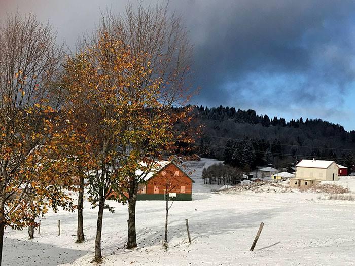 Akçaabat'a yılın ilk karı yağdı
