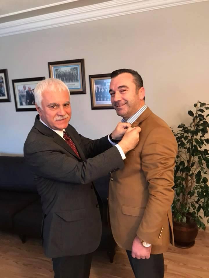 Trabzonlu MHP'li vekil adayı İYİ Parti rozeti taktı