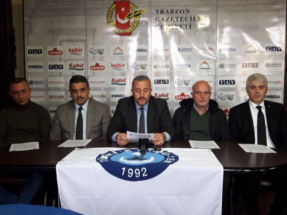 Türkiye Kamu Çalışanları Sendikaları Konfederasyonu ( KAMUSEN) Trabzon şubesi,  ABD'nin Kudüs kararını kınadıklarını açıkladı.
