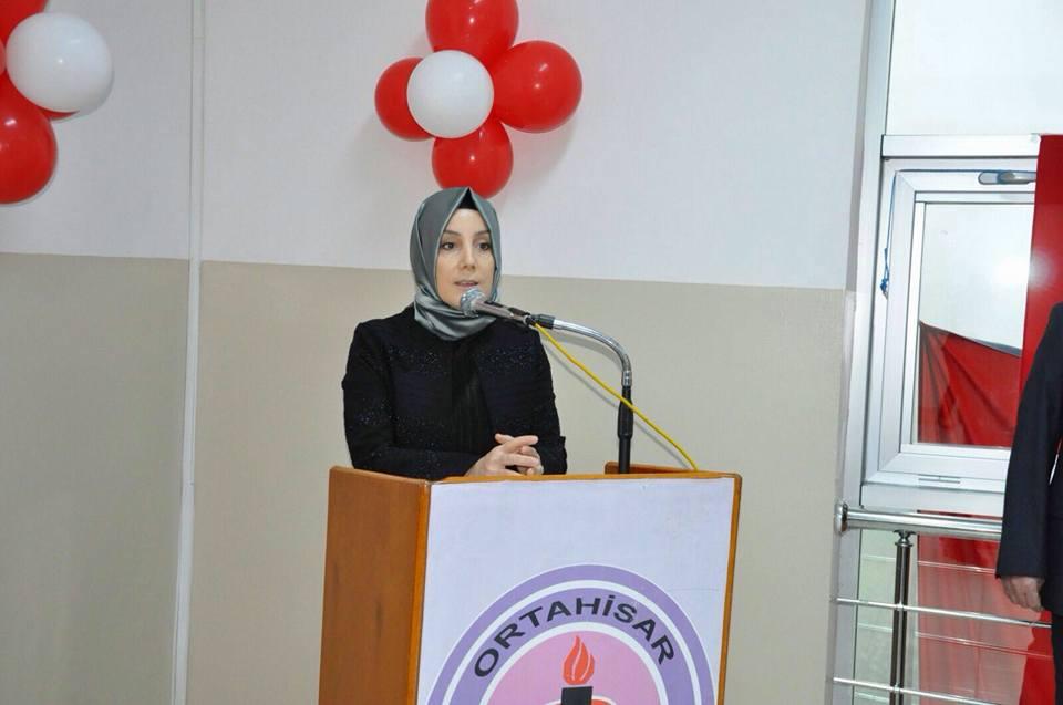 AK Parti Trabzon Milletvekili adayı Bahar Ayvazoğlu kimdir kaç yaşında?