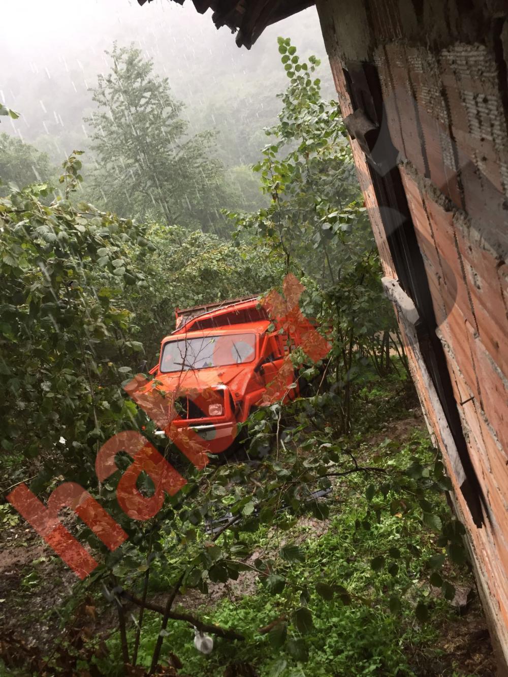 Trabzon'da fındık dönüşü kaza: 4 yaralı