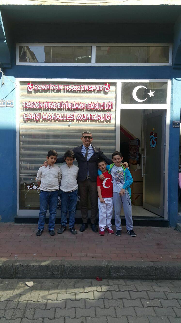 Trabzon'da muhtardan çocuklara 23 Nisan jesti... Koltuğunu devretti