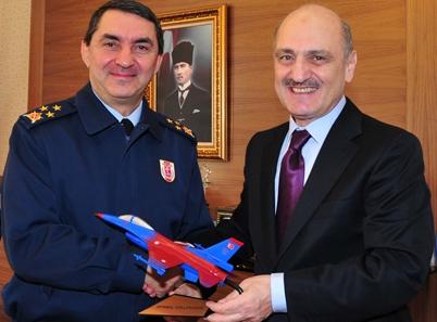 Trabzonlu Hava Kuvvetleri Komutanı görevini devraldı