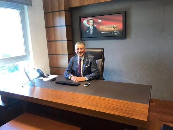 Trabzon'un yeni vekili Hüseyin Örs kaydını yaptırdı