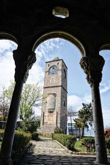 Ayasofya'da eksikler  tamamlanacak, Fatih Büyük Camisi açılacak