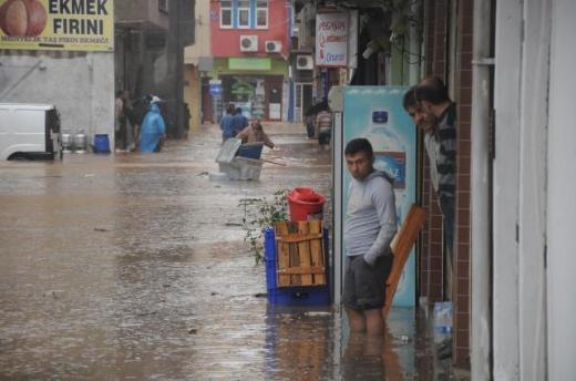 Trabzon'da sel mağdurlarına faizsiz 50 bin TL destek