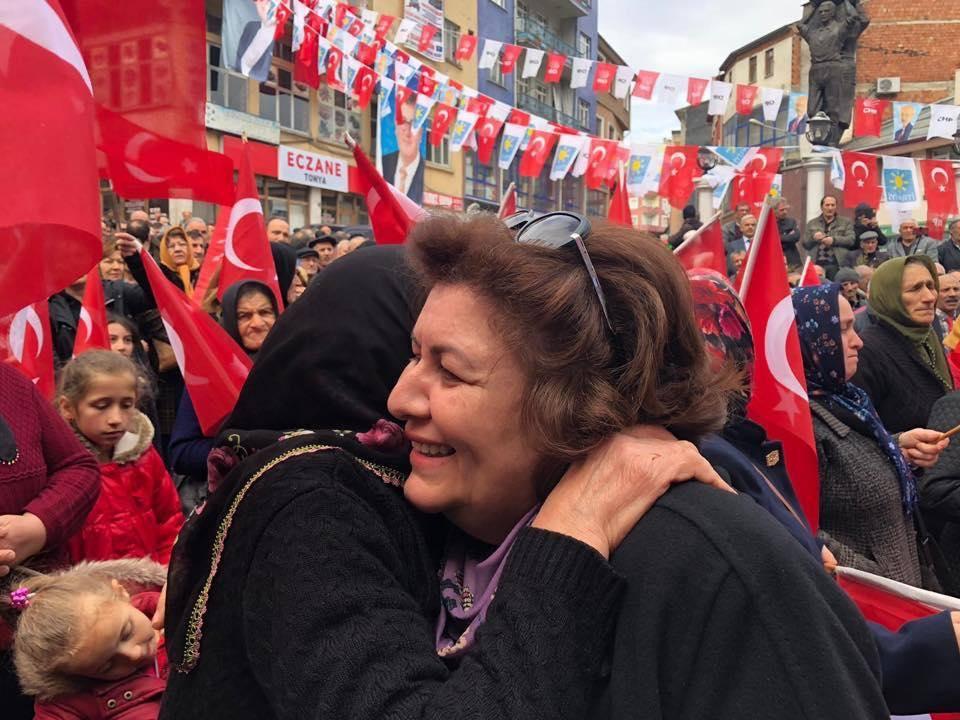 """Güzide Uzun """"AKP'nin erimesine herkes şahit"""""""