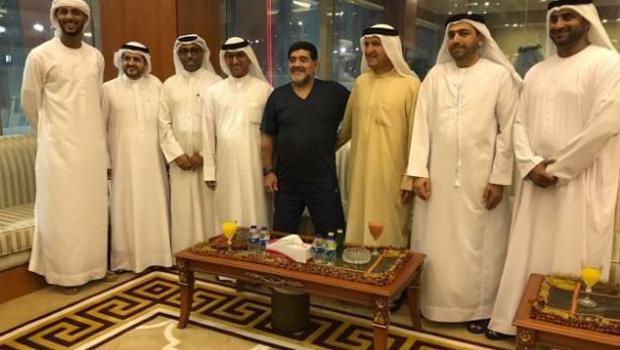 Ve Maradona futbola geri döndü!