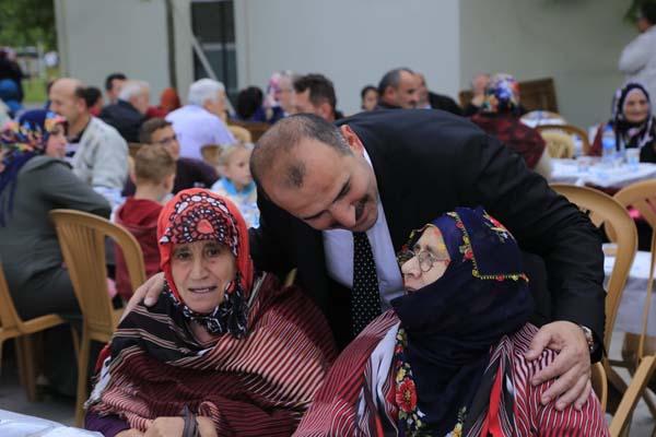 Arsin'de 2 bin kişi birlikte iftar etti