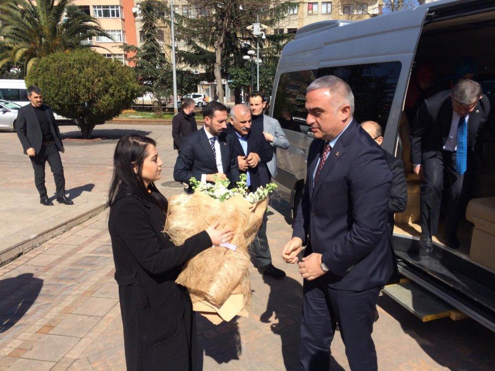 Bakan Ersoy Trabzon'da