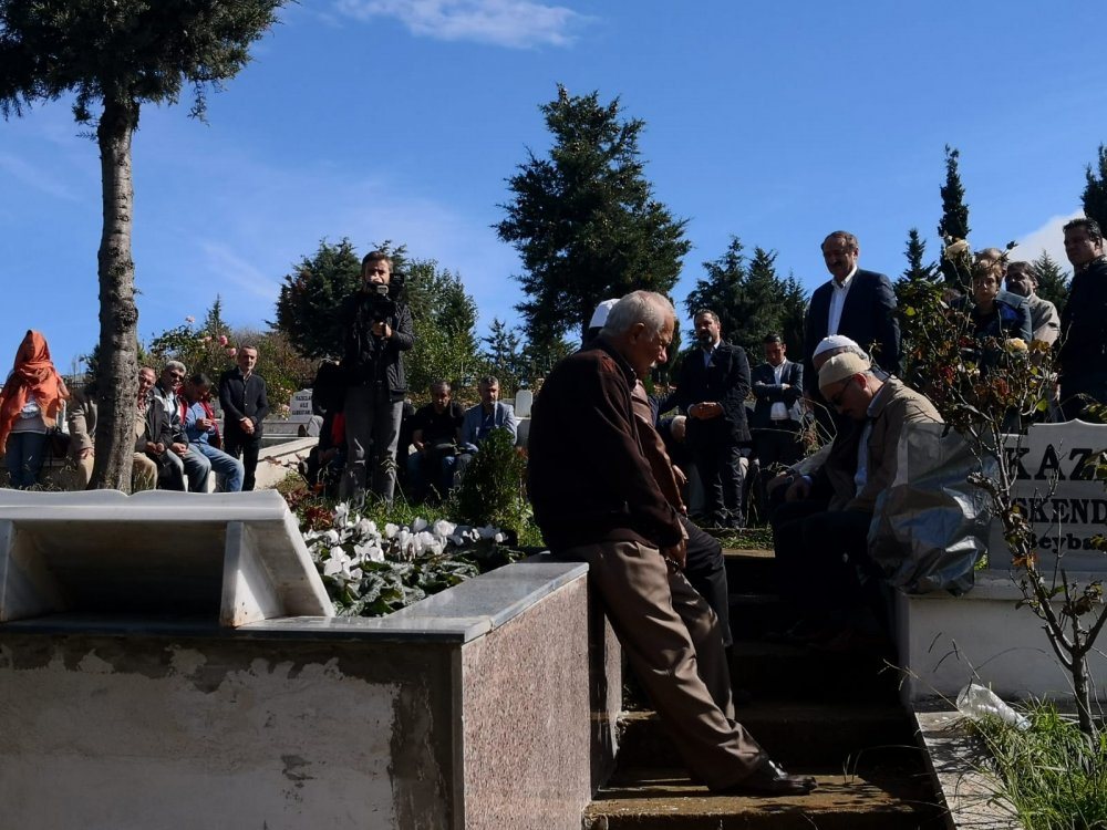 Kenan İskender mezarı başında anıldı