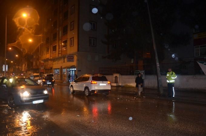 Ordu'da kaza: Hakimiyetini kaybetti elektrik direğine çarptı