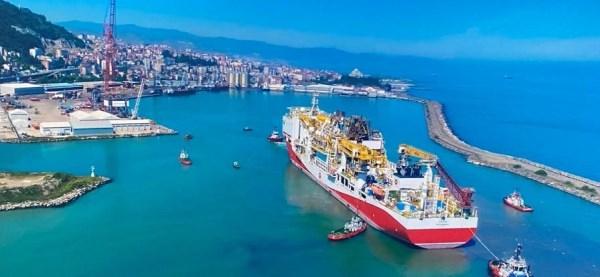 Fatih Sondaj Gemisi Trabzon'dan ayrılıyor