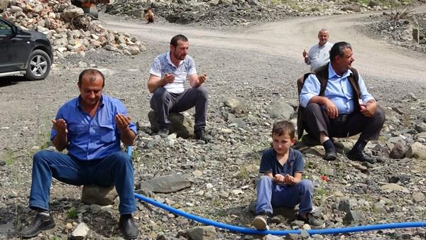 Araklı'daki selde hayatını kaybedenler anıldı