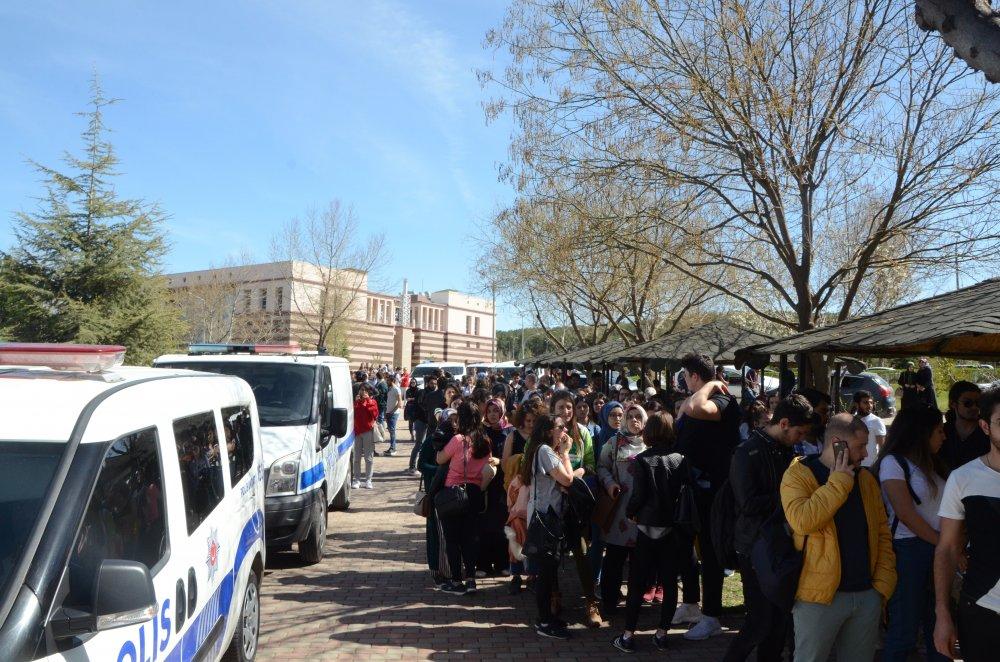 Üniversitede dehşet! Dekanın odasını basıp 4 kişiyi öldürdü