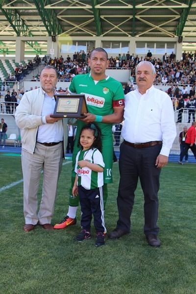 Brezilyalı Kahe, futbolu Amasyapor'da bıraktı