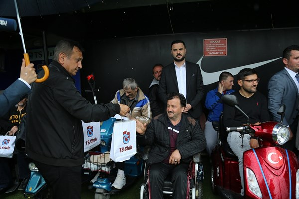 Engelli taraftarlardan Trabzonspor'a ziyaret