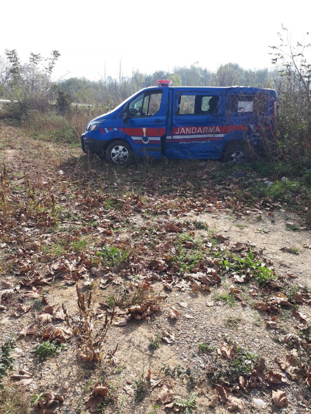 Tır askeri araca çarptı: 1 asker yaralandı