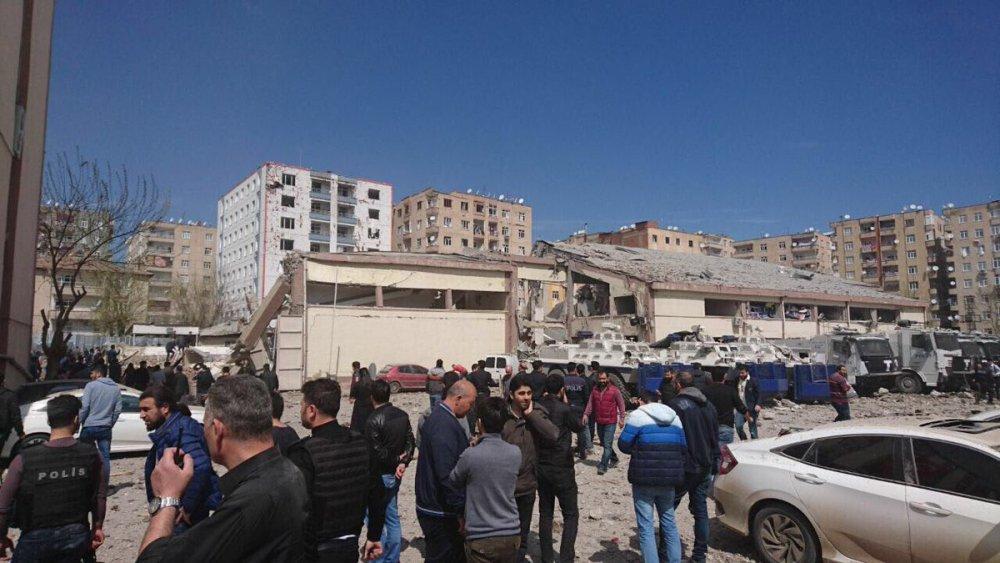 Diyarbakır Polis okulu yakınlarında patlama!