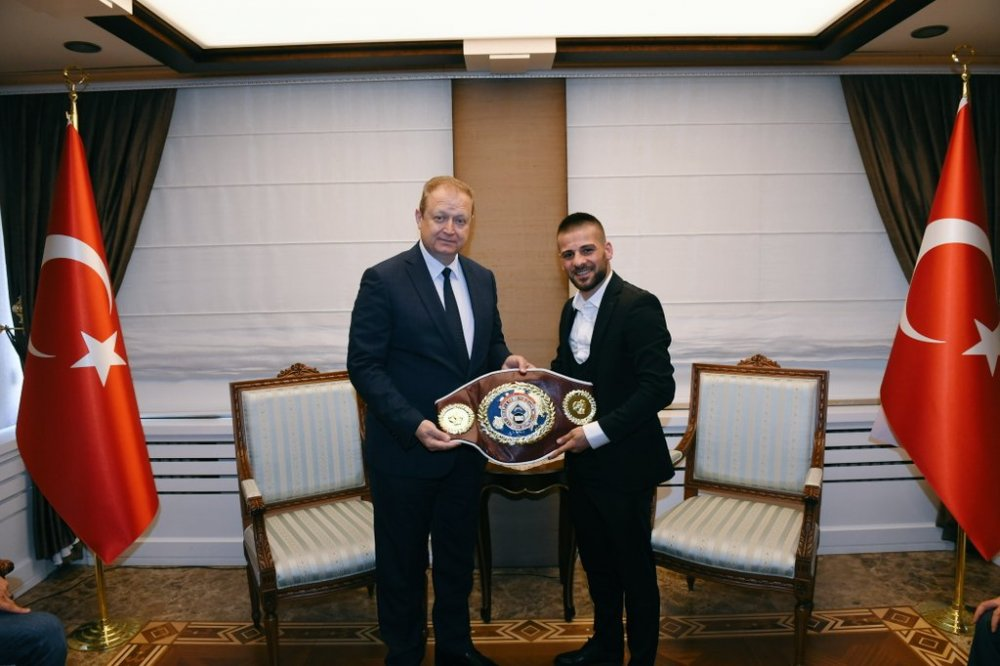 Avrupa şampiyonundan vali  Yavuz'a ziyaret