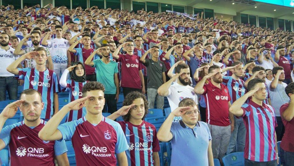 Trabzonspor maçında herkes İyi ki varsın Eren dedi