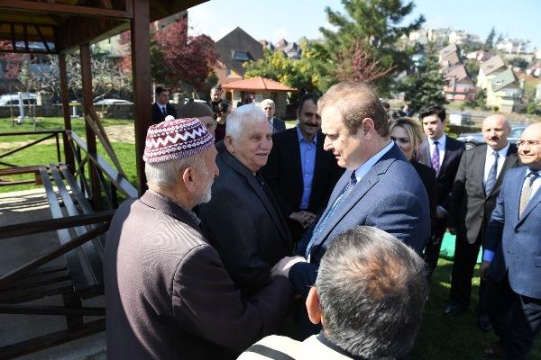 Trabzon Huzurevine ağaç diktiler