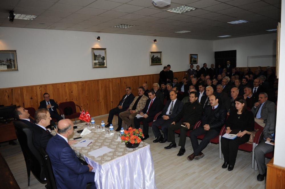 Trabzon Valisi Muhtarları dinledi!