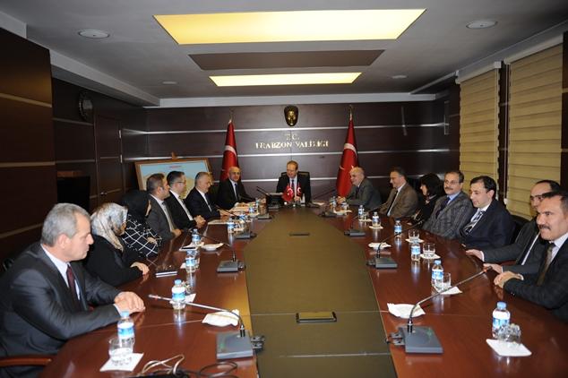 Trabzon'da 'üniversiteye yolculuk' için imzalar atıldı!