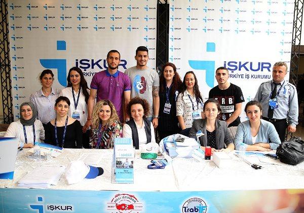 Trabzonspor'un gençleri taraftarla buluştu