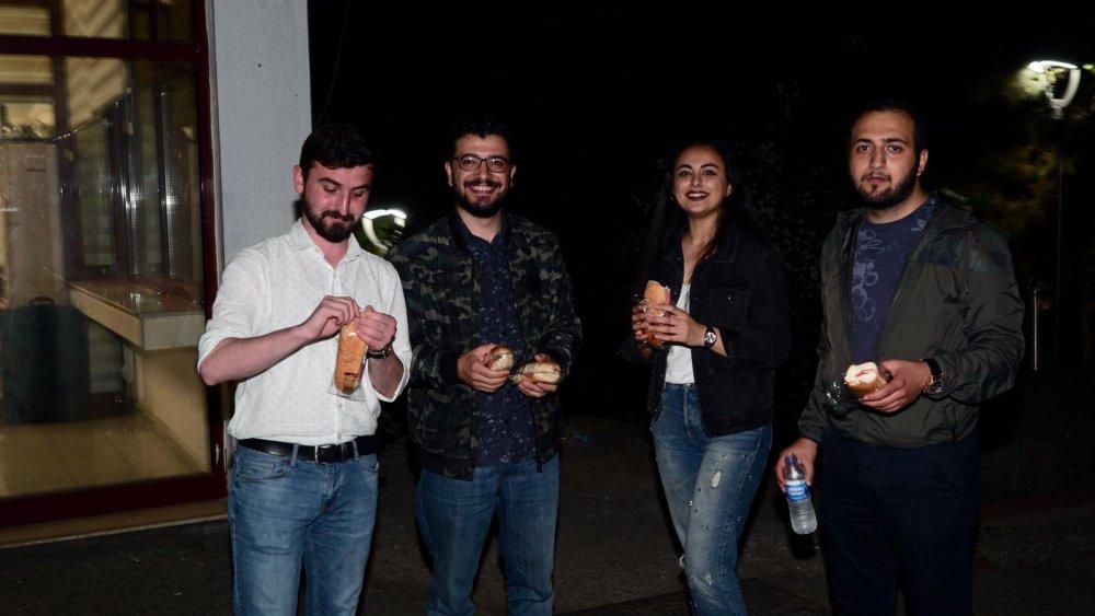 Trabzon'da final haftasında büyükşehirden öğrencilere jest
