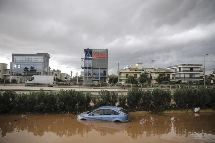 Yunanistan'daki sel felaketinde ölü sayısı arttı