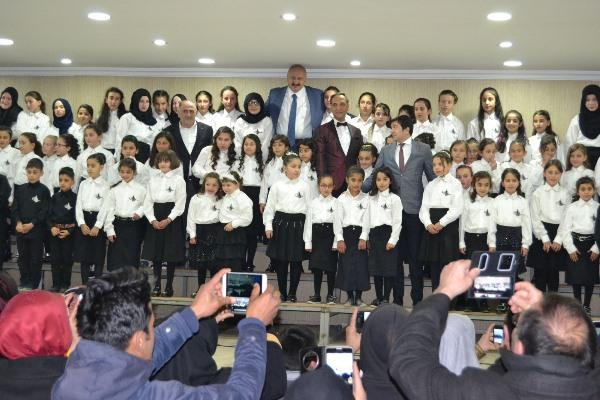Türkiye'nin en büyük çocuk korosu Araklı'da sahne aldı