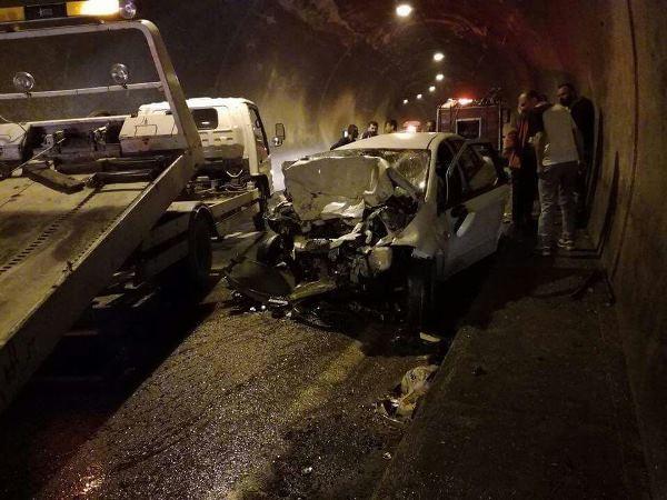 Murgul Tüneli'nde korkunç kaza: 3 ölü 4 yaralı