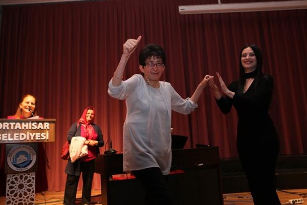 Es Müzik Sanat Merkezi yeni mezunlarını verdi