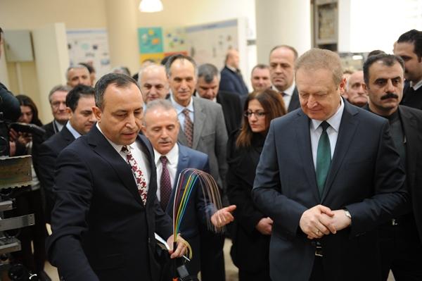 KTÜ'de Telekomünikasyon Teknolojileri Laboratuvarı açıldı.