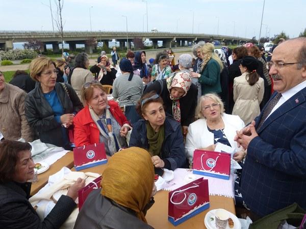 Trabzon'da yaşlı destek merkezi açıldı