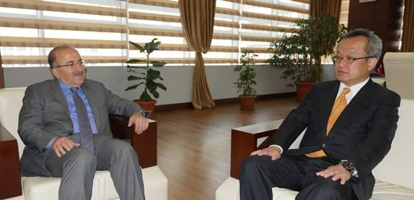 Elçi Müsteşarı Nakamura Büyükşehir Belediyesi'ni ziyaret etti