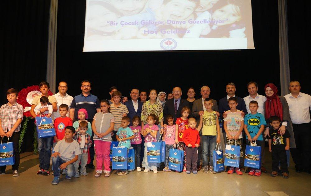 Trabzon'da 'Bir Çocuk Gülüyor, Dünya Güzelleşiyor' kampanyası