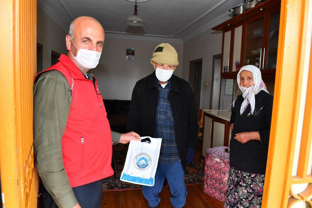 Vatandaş istedi Trabzon'da vefa çatıya çıktı