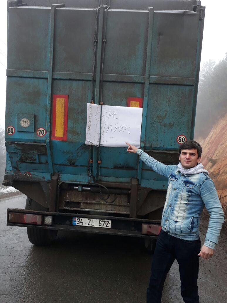 Çamburnu halkı isyan etti... Çöp araçlarının yolunu kesti
