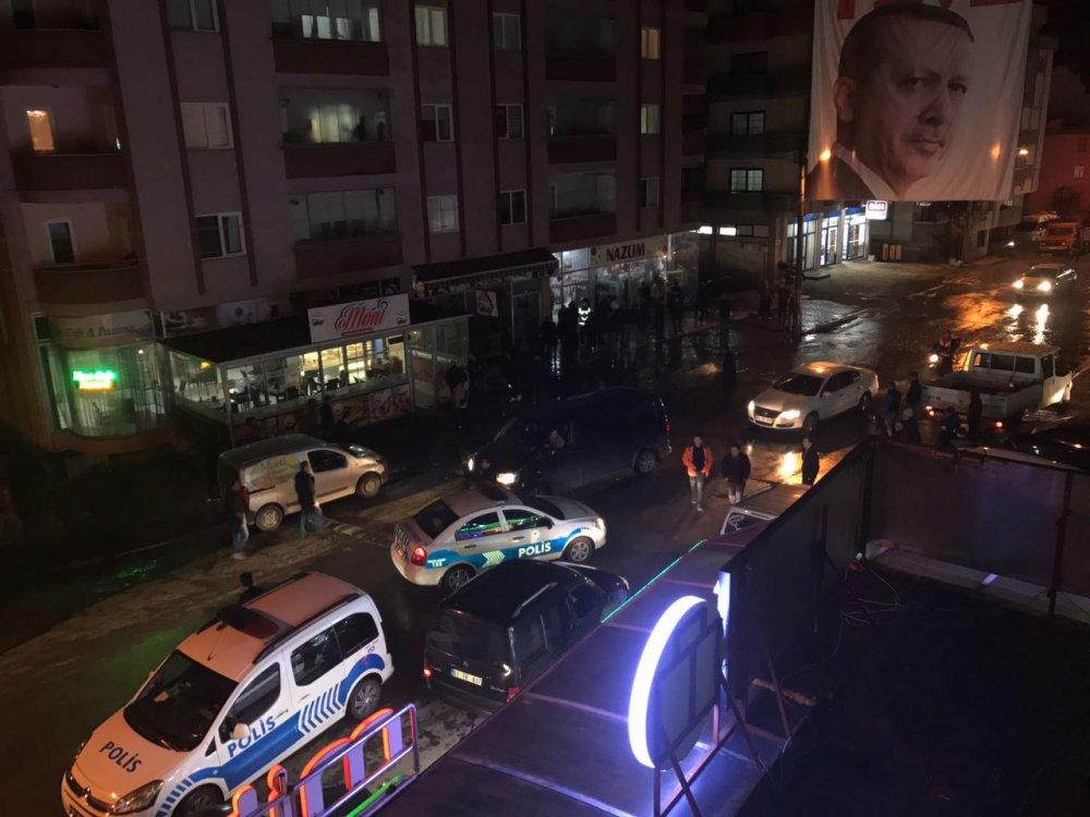 Trabzon'da patlayan su bina boyuna ulaştı