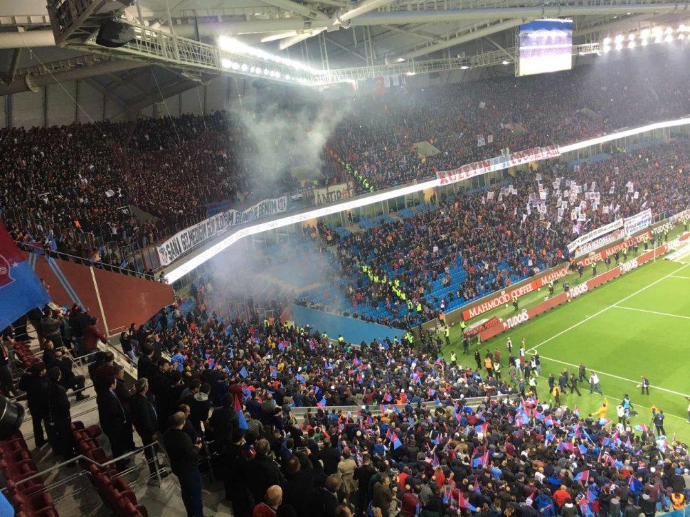 Beşiktaş taraftarı sahayı geriyor!