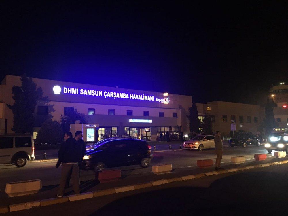 Trabzon'da sis engeli sürüyor: 280 yolculu uçak...